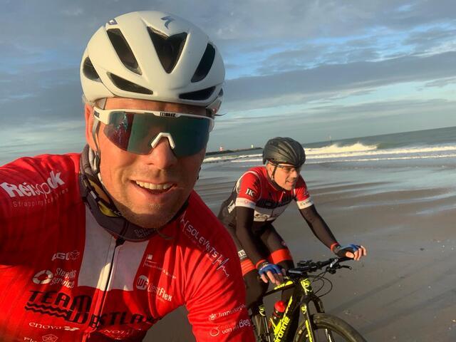 'Illegaal' strandracen met Wouter Steenks en Frank de Bakker